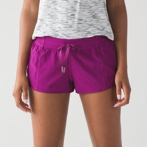 lululemon athletica pink hotty hot shorts 2 in